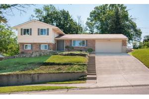 718 N Lindsey Ave, Miamisburg, OH 45342