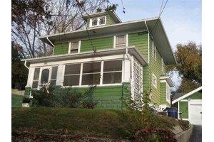 709 S Garfield Ave, Janesville, WI 53545
