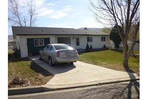 1301 Della St, Benton City, WA 99320