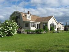 75 Point St, Columbia Falls, ME 04623