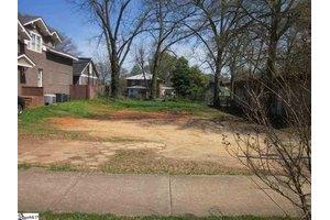 13 Mallard St, Greenville, SC 29601