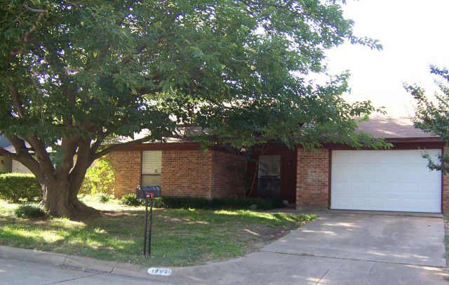 1904 Steinburg Ln Fort Worth, TX 76134