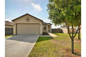 230 New Country Rd, Kyle, TX 78640