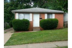 799-801 Saxon Ave Unit 2, Akron, OH 44314