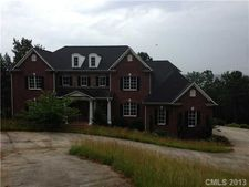 2294 Lighthouse Ln, Connelly Springs, NC 28612