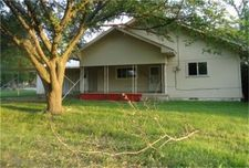 405 W Maple St W, Gunter, TX 75076