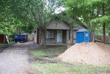 615 E Live Oak St, Angleton, TX 77515