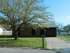 115 E Oak St, Gunter, TX 75058