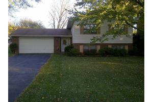4185 Thornhill Dr, Crown Point, IN 46307