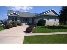 431 Prairie View Cir, Fairfax, IA 52228