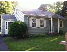 102 Rockland St, Dartmouth, MA 02748