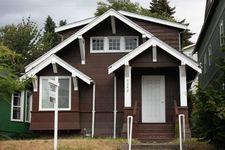 5242 11th Ave Ne, Seattle, WA 98105
