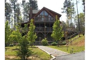 447 Hidden Lake Pkwy, Nebo, NC 28761