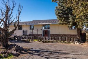 1585 NW 35th St, Redmond, OR 97756