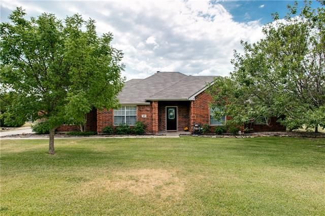 811 Oakbrook Dr Wylie, TX 75098