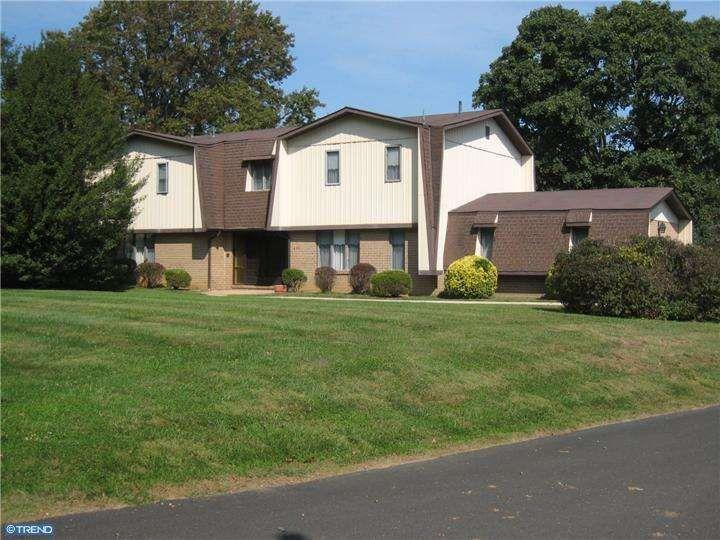 601 Davis Rd, Cheltenham, PA 19012