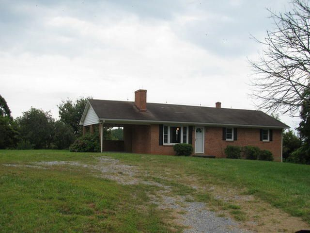 3688 Horseshoe Bend Rd, Goodview, VA 24095