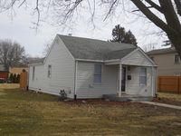 1006 Avenue J, Sterling, IL 61081