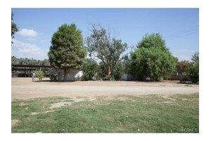 4868 Riverview Dr, Jurupa Valley, CA 92509