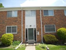 29582 Hoover Rd, Warren, MI 48093