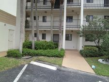 4820 Lucerne Lakes Blvd W Apt 105, Lake Worth, FL 33467