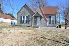 206 N 3Rd St, Central City, KY 42330