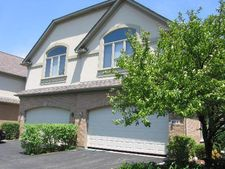 898 W Chesterfield Ct, Palatine, IL 60067