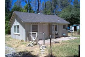 1950 Jewell Ln, Redding, CA 96001