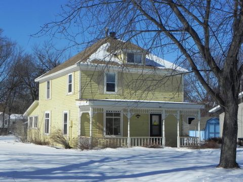Photo of 615 1st St, Hawley, MN 56549