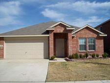 1621 Birds Eye Rd, Fort Worth, TX 76177