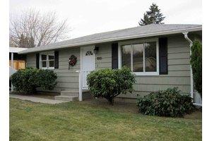 1810 4th St NE, East Wenatchee, WA 98802