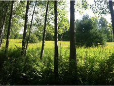 Skiparee Rd, Bennington, VT 05201