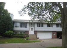 437 Dorland Rd S, Maplewood, MN 55119