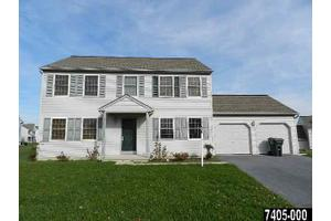 2048 Wood Hall Way, Dover, PA 17315