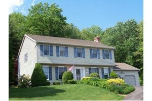 2929 Holly Ln, ENDWELL, NY 13760