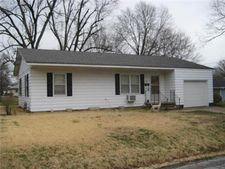 402 E Oak St, Butler, MO 64730