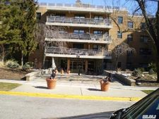 25 Park Pl Apt 1A, Great Neck, NY 11021