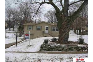 711 Terrace Ave, Bellevue, NE 68005