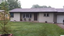 615 S Washington St, Carthage, IL 62321