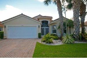 5209 Glenville Dr, Boynton Beach, FL 33437