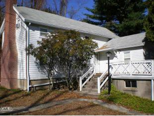 63 Perry Hill Rd, Shelton, CT