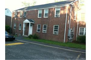 9 Clarmore Dr Apt 2b, Norwalk, CT 06850