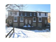 104 Ableview Dr Apt 15, Center Township But, PA 16001
