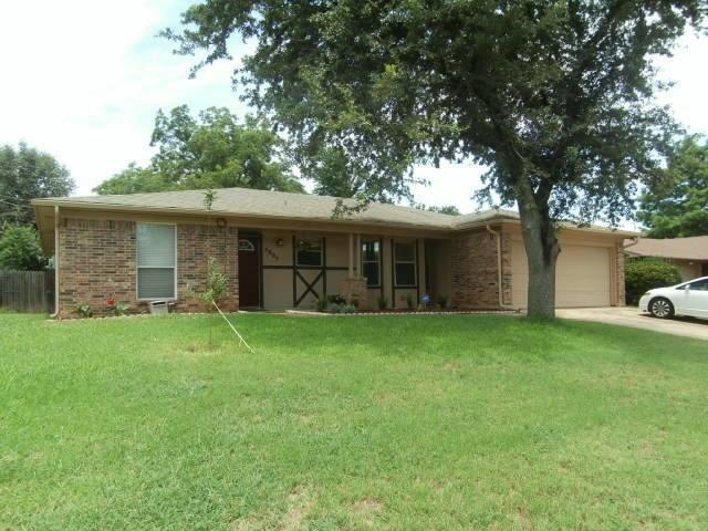 4005 Westwind Dr Arlington, TX 76017
