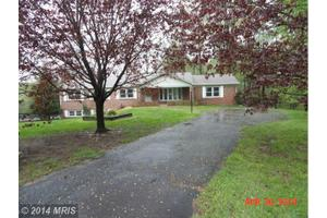 8831 Lafayette Dr, Owings, MD 20736