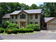 130 Colonial Dr, Southbury, CT 06488