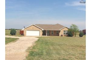 2973 Rifle Range Rd, Iowa Park, TX 76367