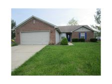 558 Bay Ct N, Franklin, IN 46131
