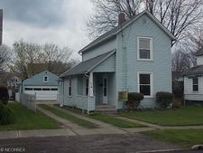 126 16th St Nw, Barberton, OH 44203