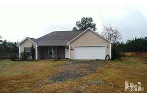 354 Folkstone Rd, Holly Ridge, NC 28445